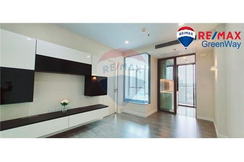 Second hand single house condo for sale in Thon Buri