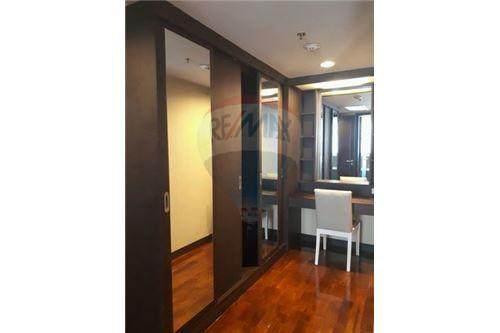 Double Tree Residence condo for rent apartment for rent