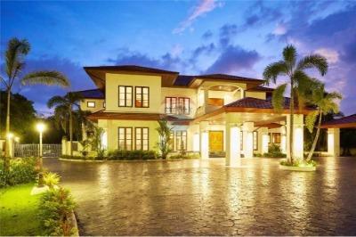 for sale house villa
