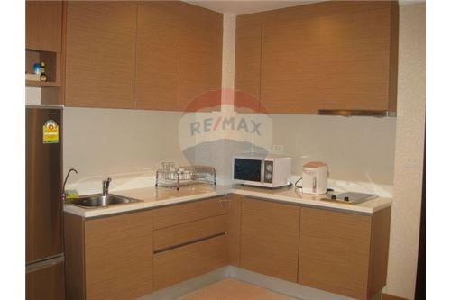 RE/MAX Executive Homes Agency's Spacious 1 Bedroom for Sale The Rajadamri 7