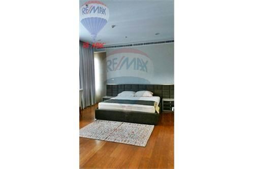 RE/MAX Properties Agency's FOR RENT  Bright Sukhumvit 24  3BED 179.6SQM 3