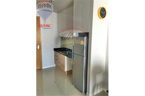RE/MAX Properties Agency's FOR SALE CIRCLE CONDOMINIUM  1BED 47.59SQM 6