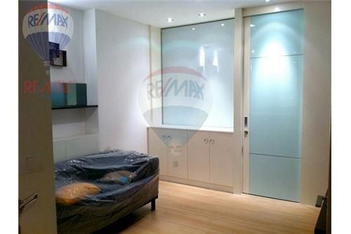 RE/MAX Properties Agency's RENT Life @ Sathorn 10 1BED 42SQM. 2