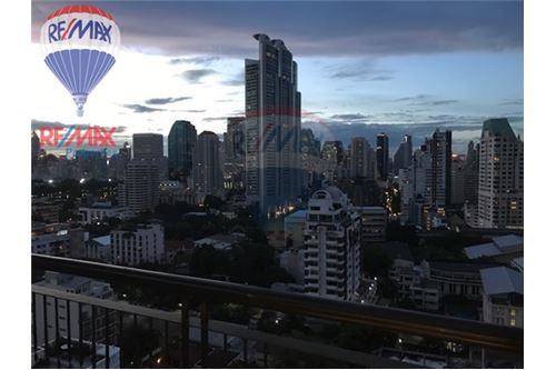 RE/MAX Properties Agency's RENT Aguston Sukhumvit 22 1BED 55SQM. 11