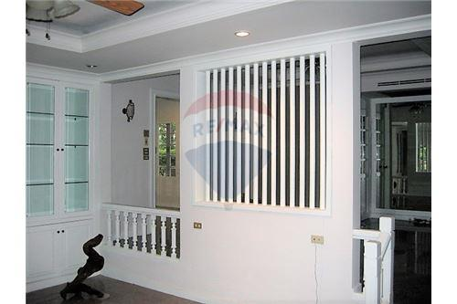 RE/MAX Executive Homes Agency's House For Rent at Laddawan-Srinakarin 5