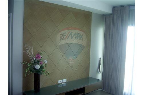 RE/MAX Executive Homes Agency's Spacious 2 Bedroom for Rent Noble Remix 4