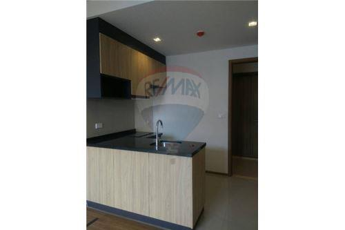 RE/MAX Executive Homes Agency's Spacious 1 Bedroom for Sale Hasu Haus 3