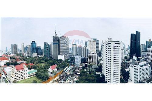 RE/MAX Executive Homes Agency's 15 Sukhumvit Residences sale/rent (BTS Nana) 5