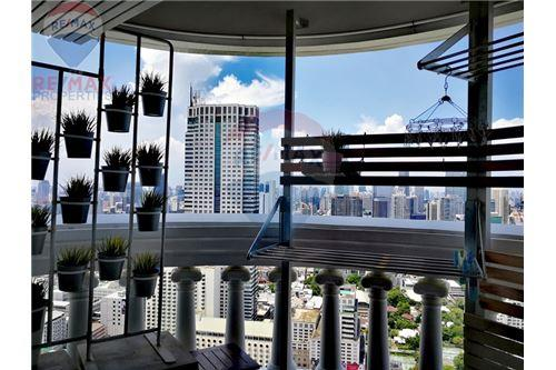 RE/MAX Properties Agency's For Sale   State Tower   1 Bedroom 23