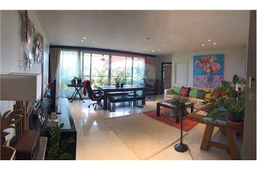 RE/MAX Executive Homes Agency's Pet-Friendly Apt. / 3 Beds / For Rent /  Sathorn 2