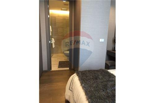 RE/MAX Executive Homes Agency's Spacious 1 Bedroom for Rent Diplomat Sathorn 4