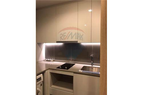 RE/MAX Executive Homes Agency's Cozy 1 Bedroom for Rent M Thonglor 3