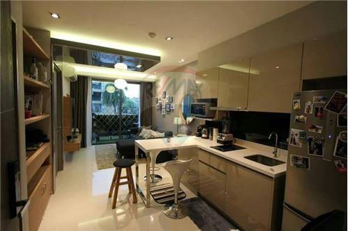 RE/MAX Properties Agency's SALE Trapezo Sukhumvit 16 1 Bedroom 2
