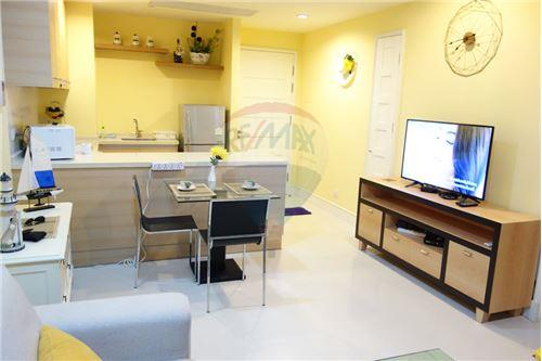 RE/MAX Properties Agency's FOR RENT AGUSTON SUKHUMVIT 22 1 BED 55 SQM 3