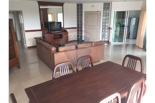 RE/MAX Executive Homes Agency's Spacious 3 Bedroom for Rent P.W.T Mansion 2