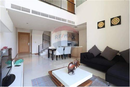 RE/MAX Executive Homes Agency's Spacious 2 Bedroom for Rent Empire Place 1