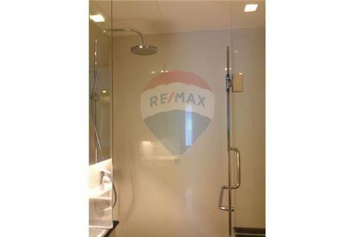 RE/MAX Executive Homes Agency's Spacious 1 Bedroom for Rent O2 Hip Condo 6