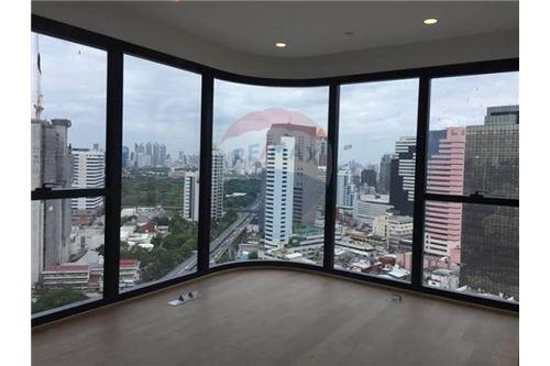 RE/MAX Properties Agency's RENT Condo Ashton Chula-Silom 2BED 55SQM. 3