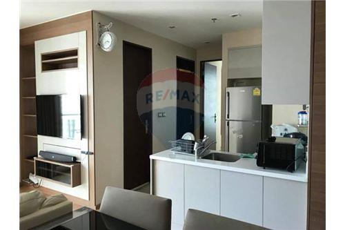 RE/MAX Executive Homes Agency's Nice 2 Bedroom for Rent Address Asoke 6