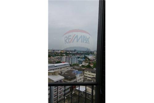 RE/MAX Executive Homes Agency's Spacious 1 Bedroom for Sale Wyne by Sansiri 6