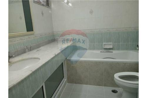 RE/MAX Properties Agency's for rent 2bedroom Tai Ping Towers 7