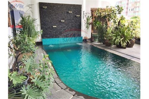 RE/MAX Properties Agency's FOR SALE  LE  RAFFINE SUKHUMVIT 24   3BED 370SQM 10