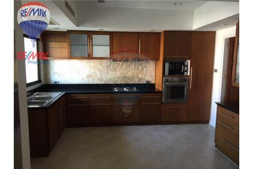 RE/MAX Properties Agency's RENT Phirom Garden Residence 4BED 330SQM. 11