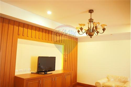 RE/MAX Executive Homes Agency's 3 Bedrooms / For Rent / at Nagara Mansion 3