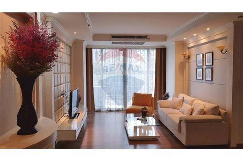 RE/MAX Executive Homes Agency's Spacious 1 Bedroom for Sale The Rajadamri 1