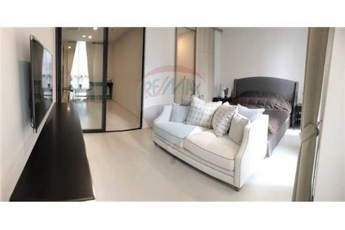 RE/MAX Properties Agency's 1 Bed for rent 50,000 baht/Month at Noble Ploenchi 3
