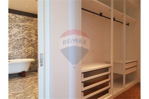 RE/MAX Properties Agency's RENT MahaNakhon Tower 2BED 124SQM. 12
