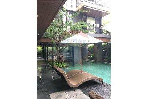 RE/MAX Executive Homes Agency's 2 Bedrooms for Rent KLASS Langsuan 8