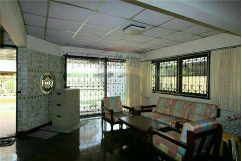 RE/MAX Properties Agency's SALE Townhouse EKAMAI 12 41SQ.Wah 4