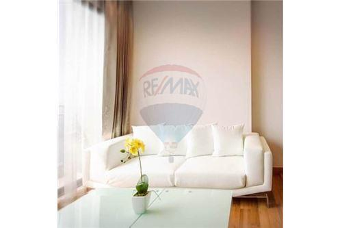 RE/MAX Executive Homes Agency's Nice 1 Bedroom for Sale with Tenant Ivy Ampio 2