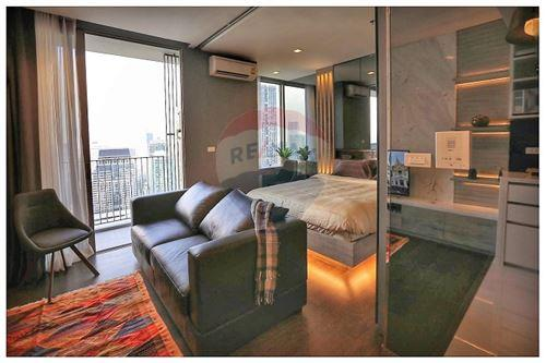 RE/MAX Executive Homes Agency's Nara 9 sale/rent (BTS Chong Nonsi) 9