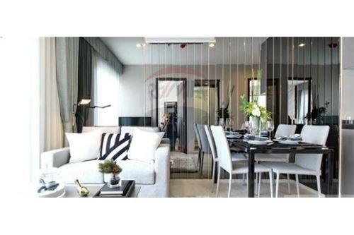 RE/MAX Executive Homes Agency's Nice 1 Bedroom for Sale Rhythm Asoke 2