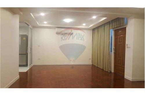 RE/MAX Properties Agency's SALE Siam Condominium 3BED 103SQM. 1
