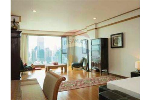 RE/MAX Executive Homes Agency's Penthouse / for rent / in Sathorn area 3