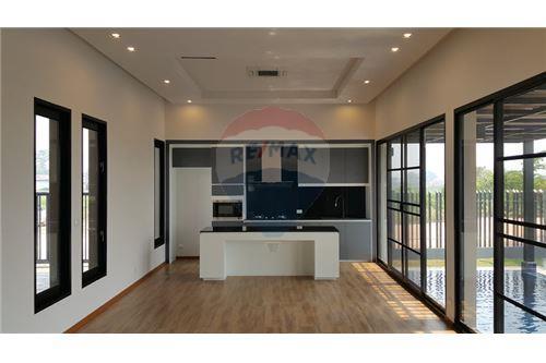 "RE/MAX Executive Homes Agency's ""Baan Bangkok""  7.75M in Baan Melanie plot K-5A 7"