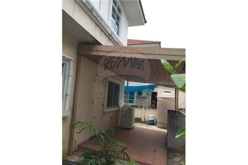 RE/MAX Executive Homes Agency's Spacious 3 Bedroom House for Sale Imperial Park 7