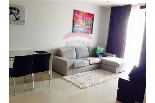 RE/MAX Properties Agency's for rent 1bedroom Vista Garden 1