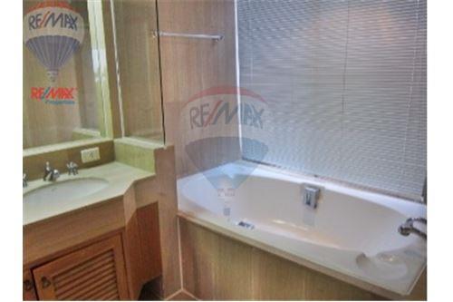 RE/MAX Properties Agency's Langsuan ville - Condos for rent , Bangkok 10