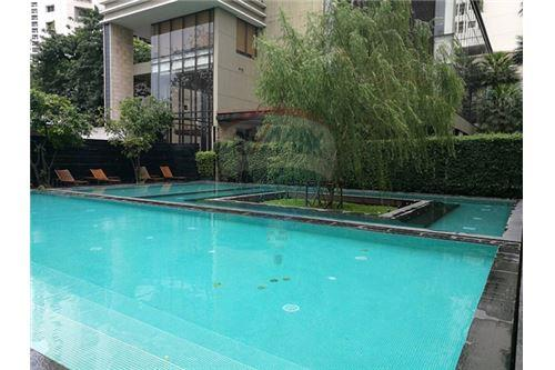 RE/MAX Executive Homes Agency's The Emporio Place / 2 Bedrooms / For Rent 14