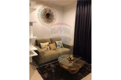RE/MAX Executive Homes Agency's Nice 1 Bedroom for Rent Rhythm Asoke 1