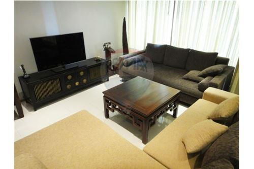 RE/MAX Executive Homes Agency's The Emporio Place / 2 Bedrooms / For Rent 5