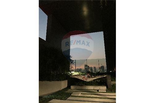 RE/MAX Properties Agency's SALE Rhythm Sukhumvit 36-38 1BED 33SQM. 12