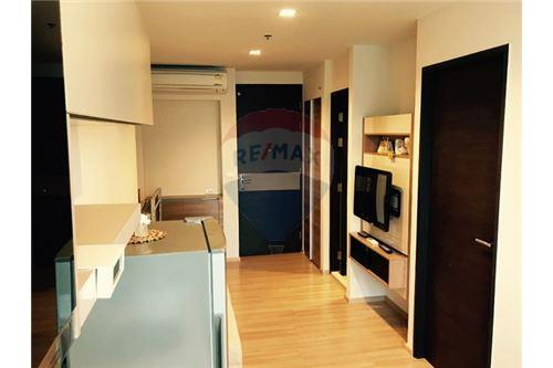 RE/MAX Executive Homes Agency's Nice 1 Bedroom for Sale Rhythm Sathorn 3