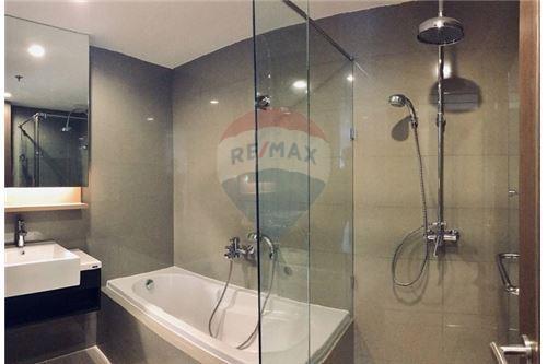 RE/MAX Executive Homes Agency's 15 Sukhumvit Residences sale/rent (BTS Nana) 8