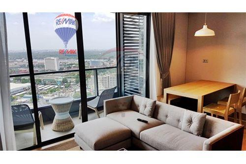 RE/MAX Properties Agency's FOR RENT  THE LUMPINI 24  2BED   65SQM 12