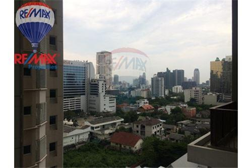 RE/MAX Properties Agency's FOR SALE & RENT The Emporio Place 3 BED 161.87 SQM 1